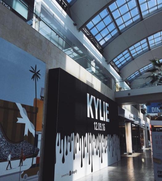 kylie-jenner-apertura-nueva-tienda-2