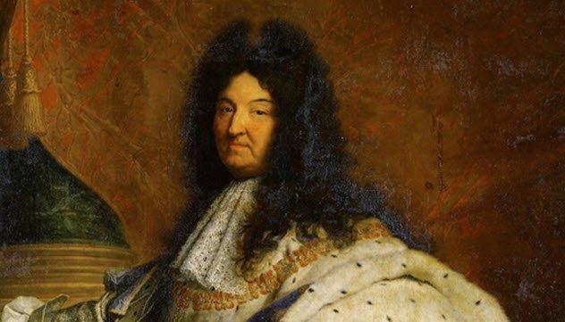 10-habitos-realmente-asquerosos-que-la-realeza-tenia-en-el-pasado-1482833402