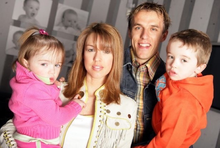 Phil-and-Julie-Neville-pictured-here-with-their-children-2