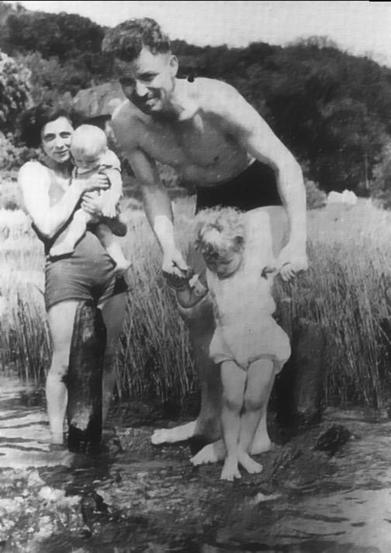 august-landmesser-whole-family