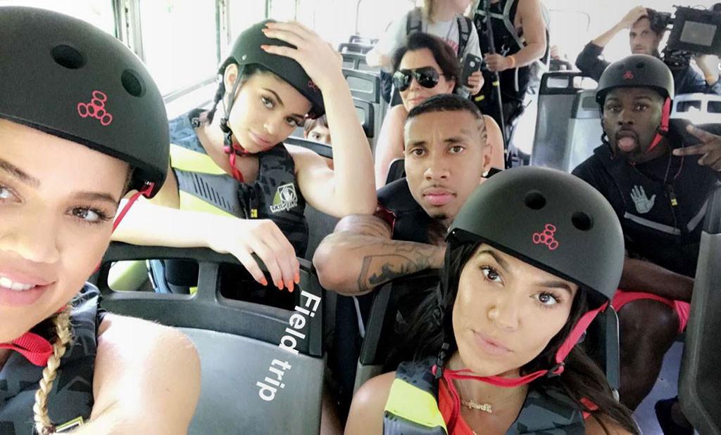 kardashian-costa-rica-1