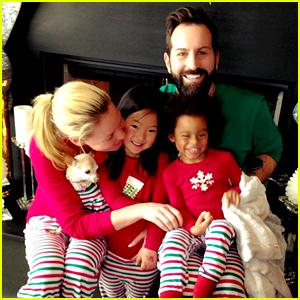 katherine-heigl-her-family-wore-matching-pajamas-for-christmas