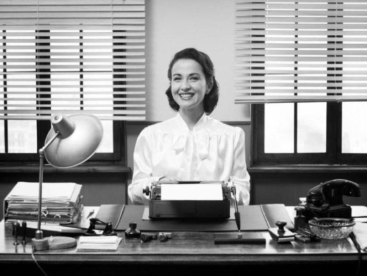 Reglas estrictas que debían seguir las secretarias de los 50