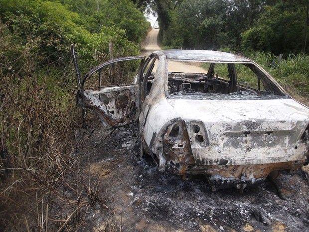 el-vehiculo-carbonizado-de-la-cantante-brasilena-loalwa-braz-vieira-_620_465_1450896