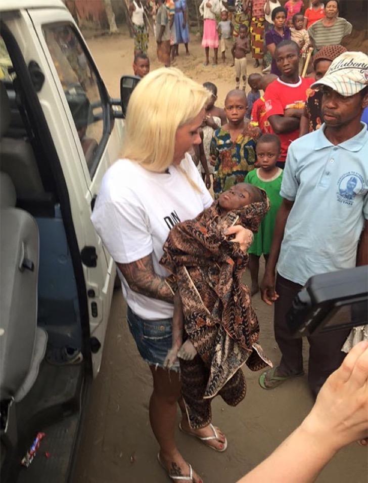 nigerian-starving-thirsty-boy-first-day-school-anja-ringgren-loven-2-2
