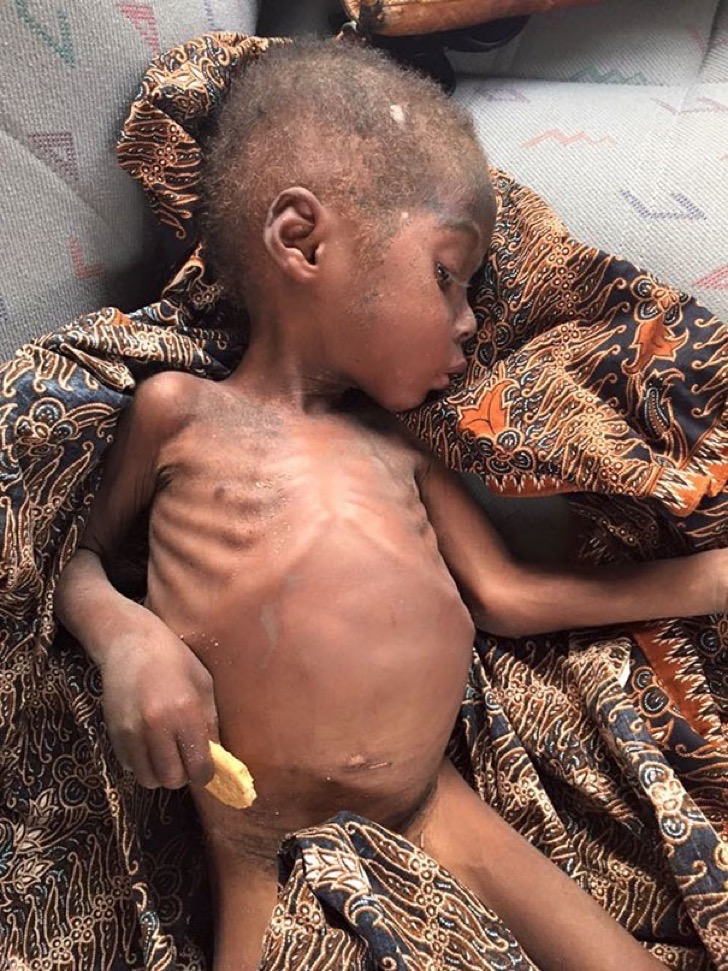 nigerian-starving-thirsty-boy-first-day-school-anja-ringgren-loven-22-2