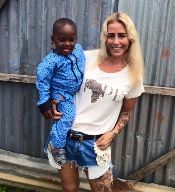 nigerian-starving-thirsty-boy-first-day-school-anja-ringgren-loven-4-2