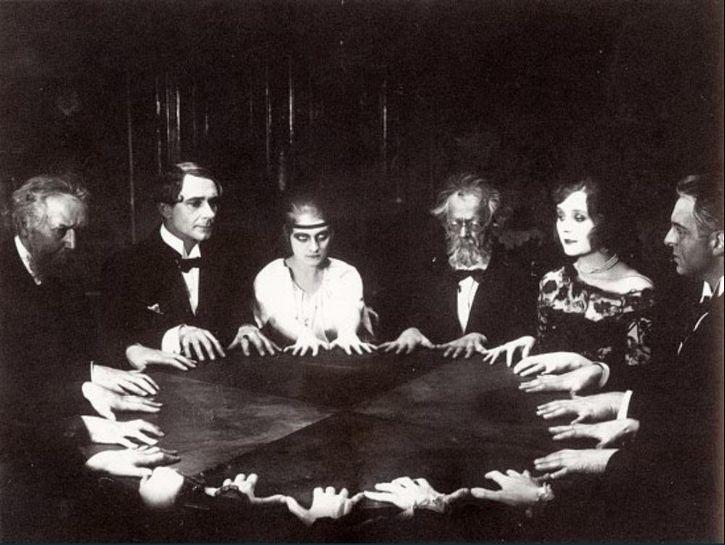 sesion-de-espiritismo