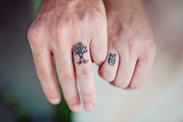 tatuaje-en-los-dedos