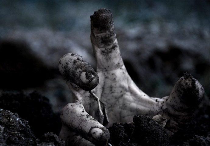 10-horripilantes-historias-de-personas-que-fueron-enterradas-vivas-1487845809