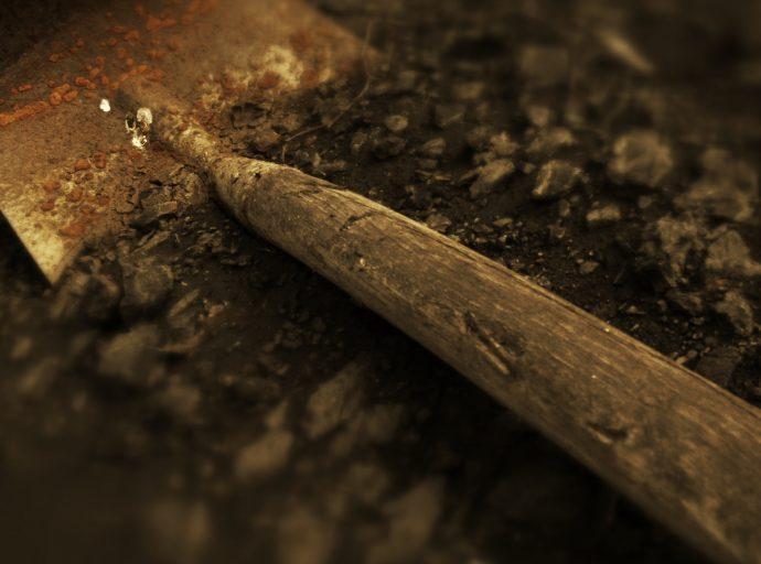 10-horripilantes-historias-de-personas-que-fueron-enterradas-vivas-1487848454