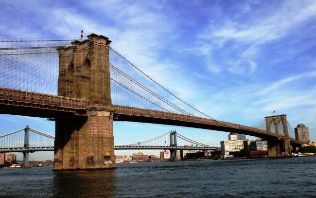 12174110-Brooklyn_Bridge_as_seen_from_FDR_Drive_in_Manhattan-1484566804-650-0178d31144-1484796622