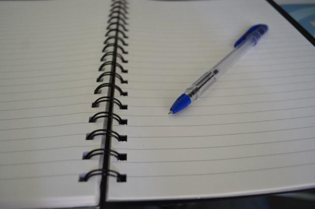 Por-qué-son-más-usados-los-bolígrafos-de-tinta-azul-que-los-de-otro-color-620x412