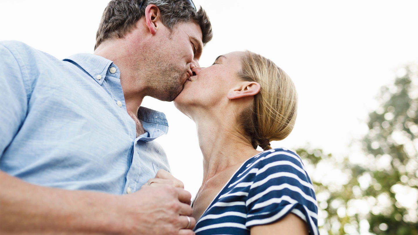 Ways-Kissing-Boosts-Your-Health-1440x810