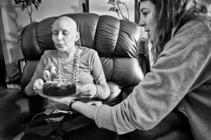 fotografo-retrata-a-su-esposa-con-cancer-hasta-que-muere-23-730x484