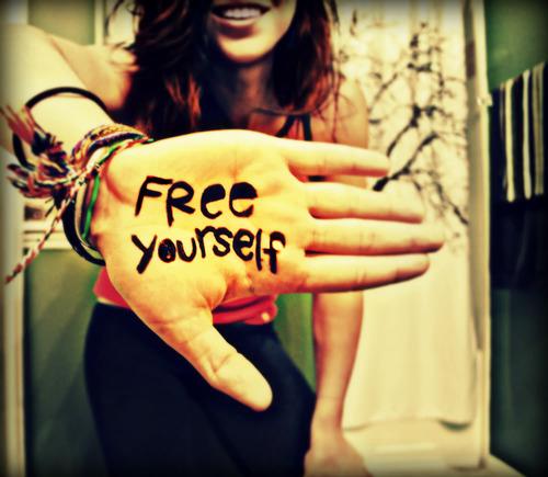 freedom-hand-peace-quote-Favim.com-119748