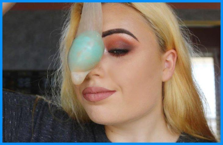 maquillaje-con-un-condón-730x476