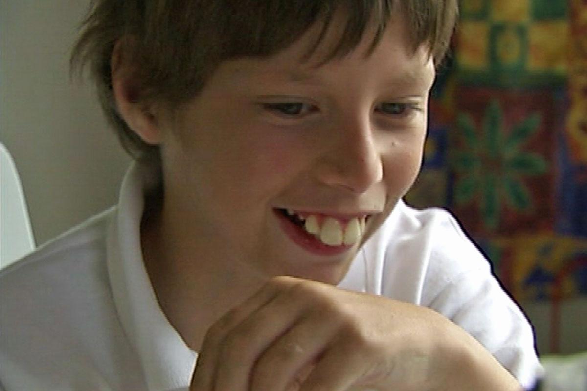 Evan-hill-teeth-1200