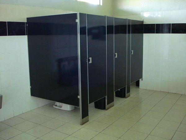 puertas-para-banos-publicos