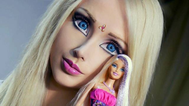 ukrainian_barbie_girl_has_revealed_her_nomakeup_photos_640_01