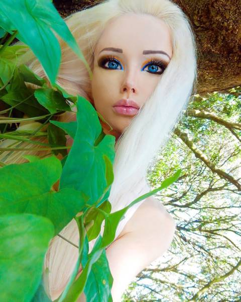 ukrainian_barbie_girl_has_revealed_her_nomakeup_photos_640_05