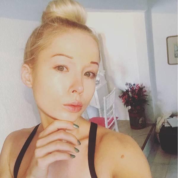 ukrainian_barbie_girl_has_revealed_her_nomakeup_photos_640_10