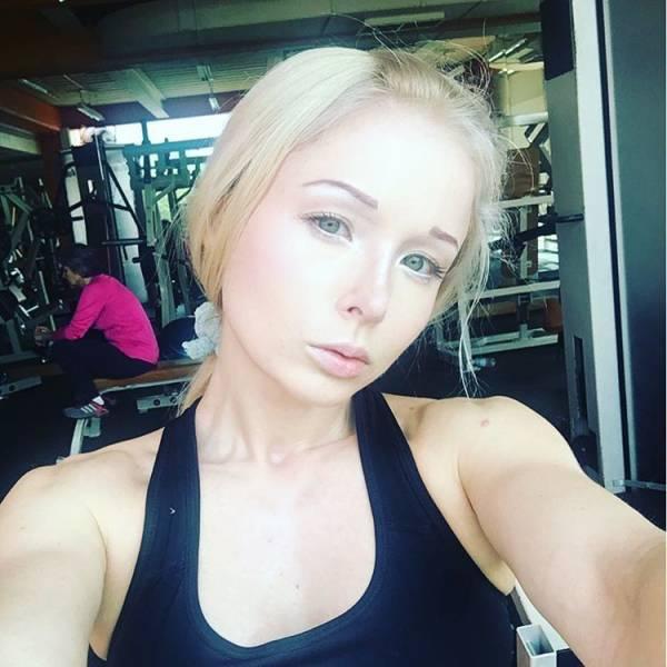 ukrainian_barbie_girl_has_revealed_her_nomakeup_photos_640_11