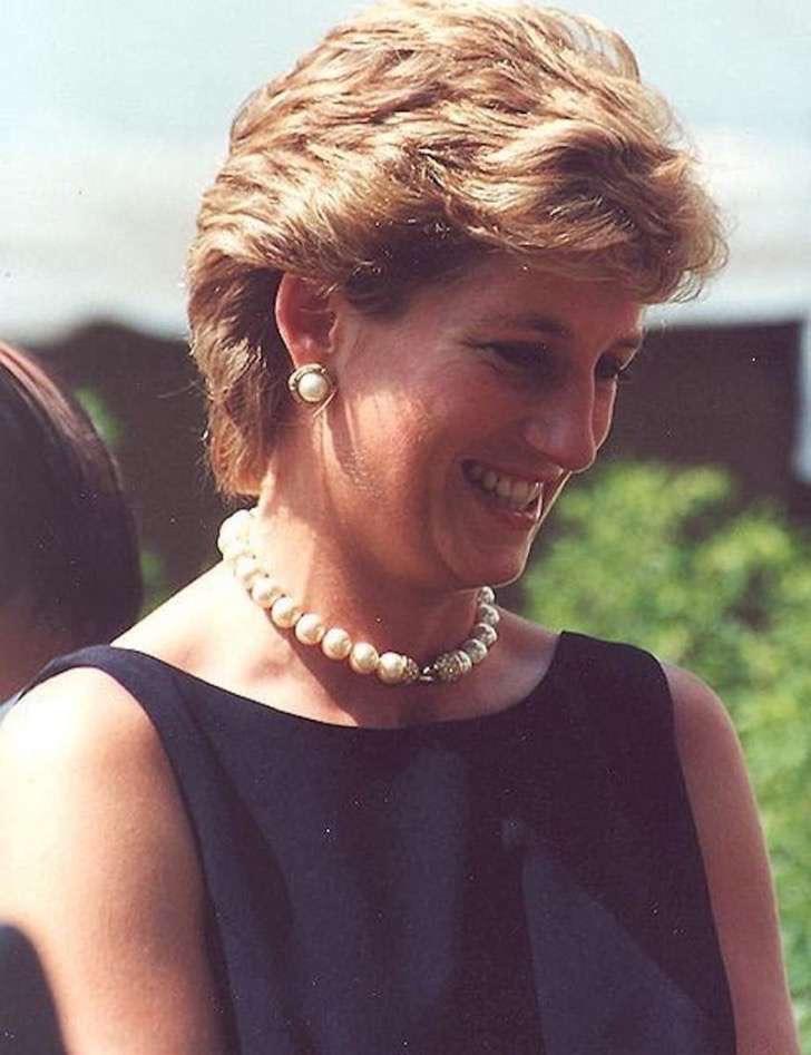 Diana_Princess_of_Wales1-850x1106-2