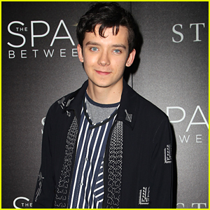 asa-butterfield-space-between-ankle-weights-nyc-premiere