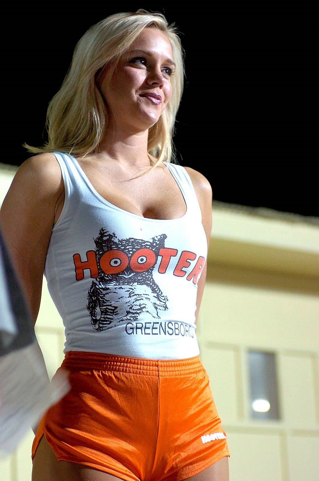 Hooters Hooters Greenboro_OEF Jun04_2004