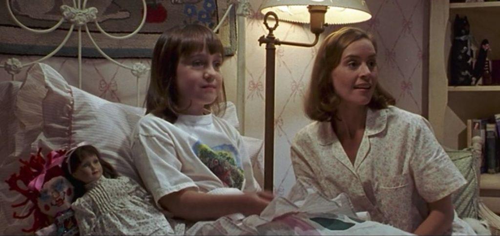 ¿Recuerdas a la Maestra Miel de Matilda? Así luce