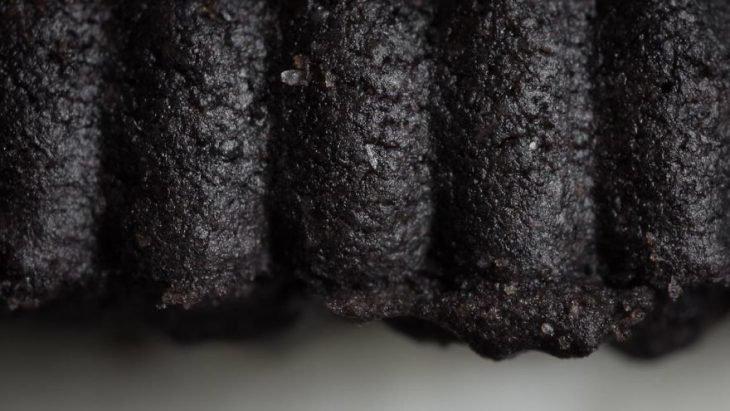 21 Objetos que si te acercas lo suficiente verás qué espectaculares; así luce un grano de azúcar