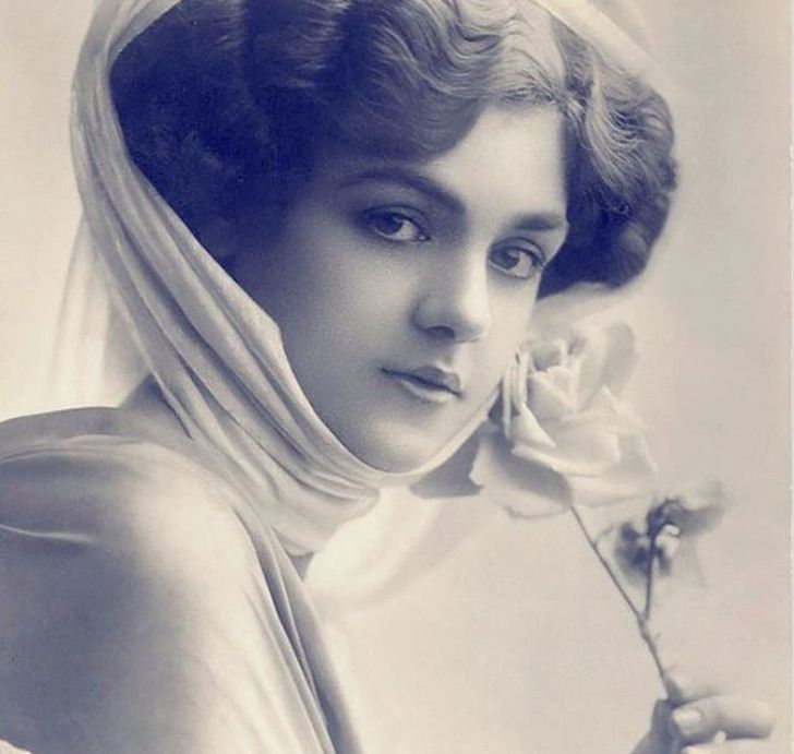 10 Fotografías de hace 100 años demuestran que la belleza de la mujer no necesita tantos cosméticos